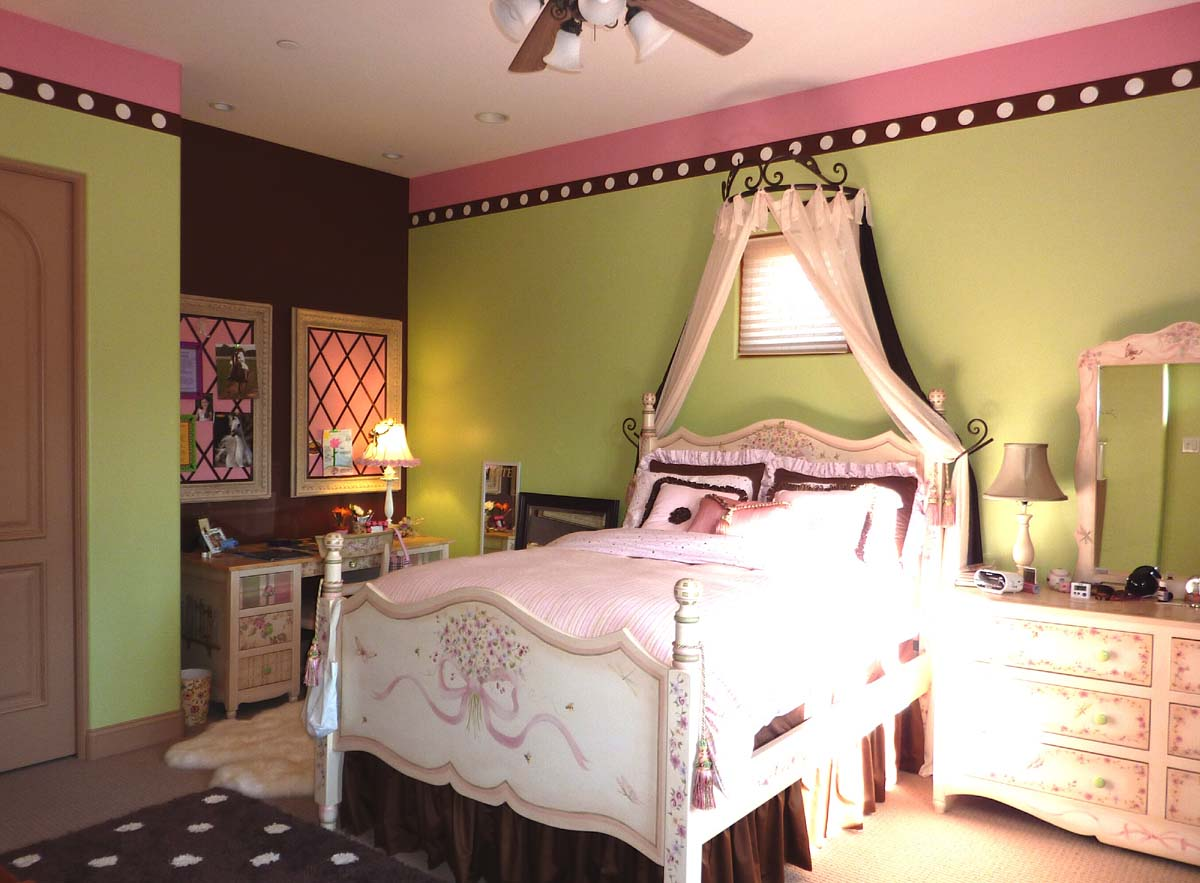 Kids rooms camico graphics for Pink and green kids room